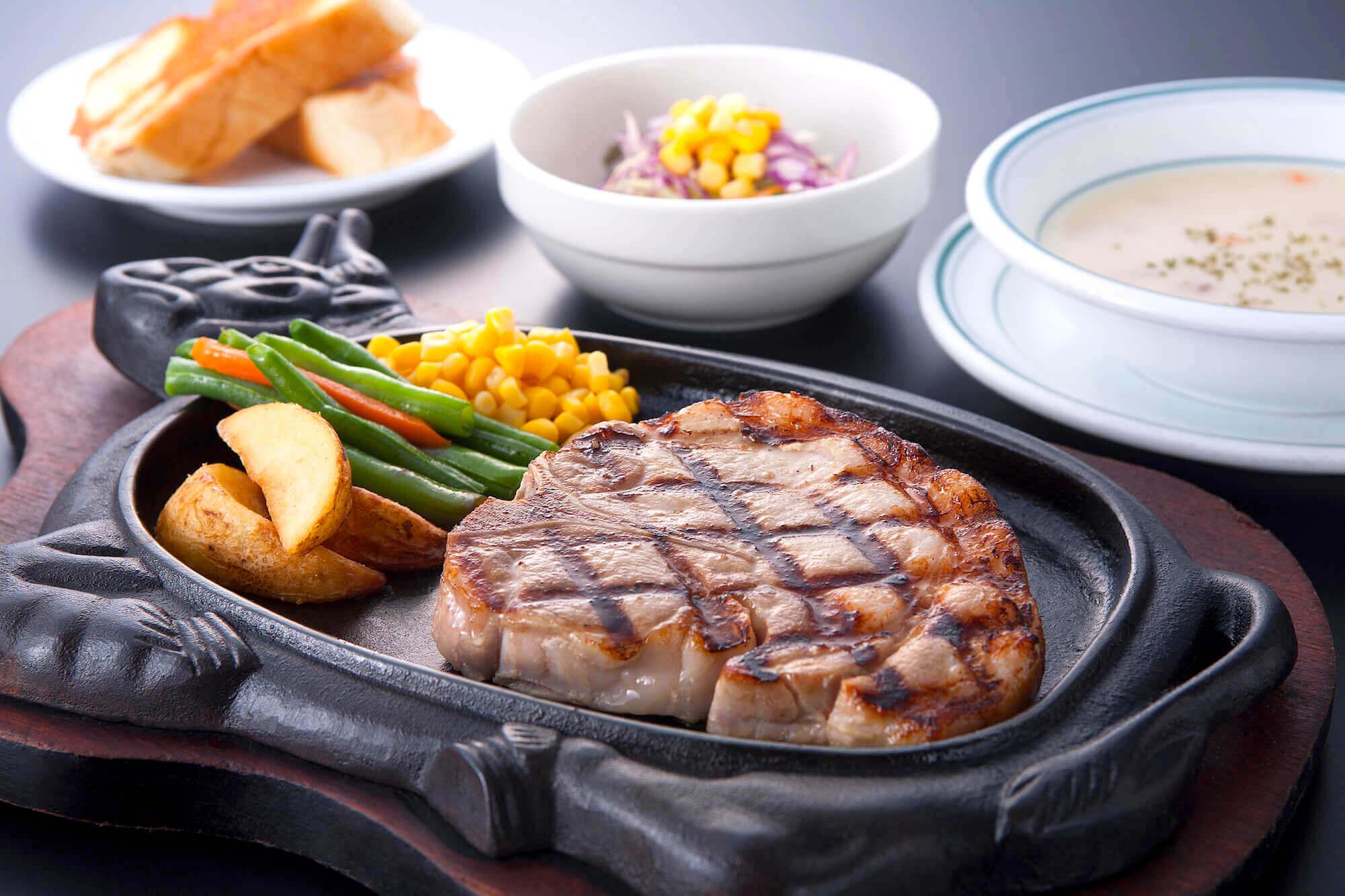 あぐー豚Tボーン ステーキセット (1)
